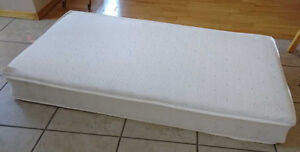 Crib mattress. Double-sided. Excellent condition