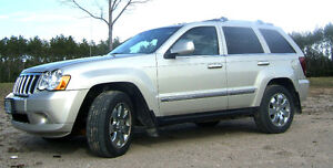 2010 Jeep Grand Cherokee Limited 5.7L HEMI V8 with TOW PKG
