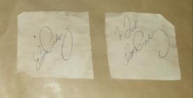 Elvis Presley 2 original autographs on paper