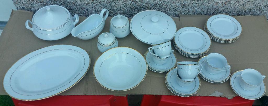 White u0026 gold ceramic trade winds tableware set. Excellent condition & White u0026 gold ceramic trade winds tableware set. Excellent condition ...