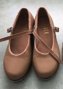 Tap shoes for young girl - Size 11
