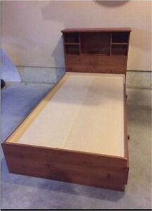 Single Bed w/Headboard Bookcase