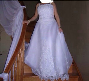 Beautiful David's bridal gown 300 obo