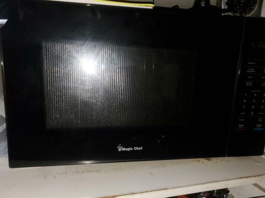 Magic Chef Microwave 1.1 cu. ft. Countertop Microwave in Bla