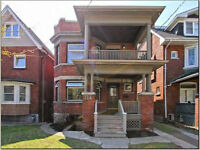Executive Style 3 Bedroom Apartment in Roncesvalles