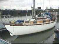 Gentlemans sailing sloop.