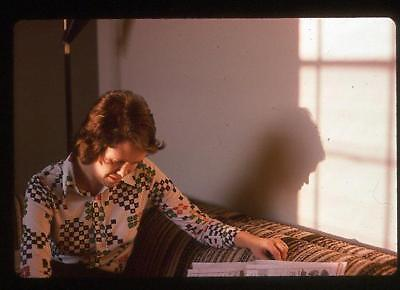 Loud Shirt 70s Fashion Girl Reads Newspaper Casts Shadow Vtg 1975 Slide - 70s Girl Fashion