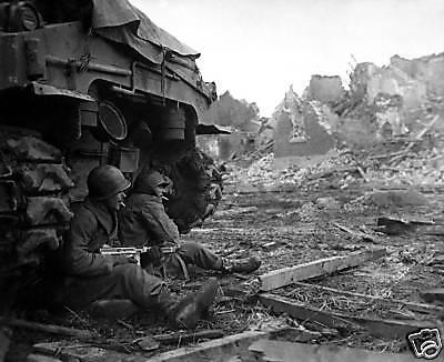 WWII B/&W Photo German POW/'s M1A1 Thompson  WW2 World War Two Wehrmacht 2014