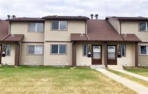 Overlanders Town House For Sale