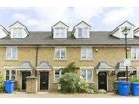 3 bedroom house in Banfield Road, London, SE15