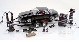 GMP Acme 1/18 Ford Racing Tool & Trailer and Accessory Pack Set Diorama Garage