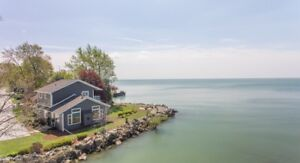 Luxury Waterfront Retreat Lake Erie