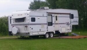 33 Ft Kountry Star 5th Wheel Camper