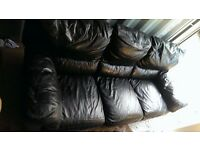 3 seater sofa Delivery possible