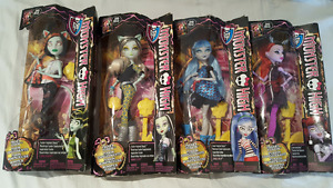 Monster High Freaky Fusion Dolls
