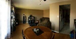 Clean and Bright 4-6 Bedroom House in Thorold