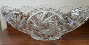 Large Stunning vintage crystal oval fruit bowl