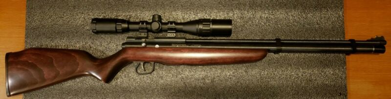 Benjamin Discovery PCP Air Rifle .22 with Scope