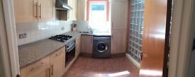 2 BED APARTMENT ALUM CHINE WITH PARKING AND PRIVATE ENCLOSED COURTYARD