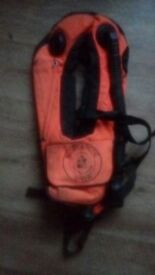 inflaterbal life jacket, and you can brethh from it!