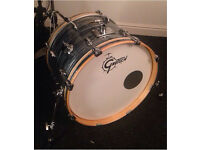 Gretsch Renown 20x14 Bass Drum. Silver Oyster Peal.
