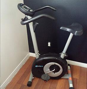 Exerciseur - Vélo stationnaire