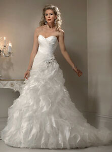 Beautiful Maggie Sottero Miri Wedding Dress for sale $700 OBO Windsor Region Ontario image 8
