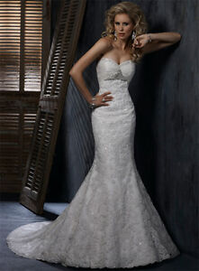 Maggie Sottero Evelyn - Size 0/2 - Perfect Condition
