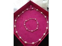 Stunning 9ct Gold 375 Bar & Cultured Pearl Necklace & Bracelet Set Priced For Quick Sale rrp £298