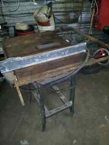 older heavy duty industrial table saw(atlas) with stand Belleville Belleville Area image 2