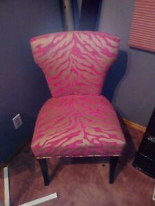 Beautiful Pink Fasionable Chair