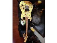 Spongebob Square Pants 3/4 Electric Guitar in superb condition With Case & Tutorial DVD
