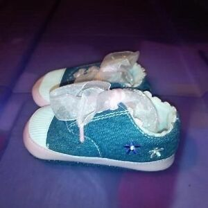 Infant Girls Size 3 Shoes St. John's Newfoundland image 2