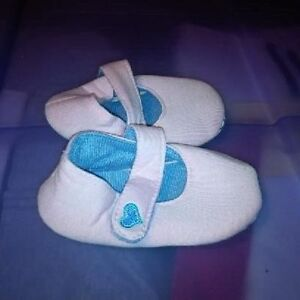 Infant Girls Size 3 Shoes St. John's Newfoundland image 4