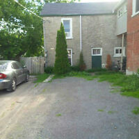Small 3 Bedroom home in Central location