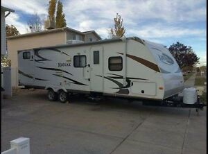 Kodiak by Dutchman camper fully loaded