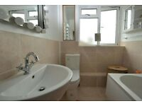 3 Double Rooms to Rent in Beautiful Maisonette, Epsom, Surrey