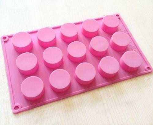 How To Bake A Cake In Silicone Molds