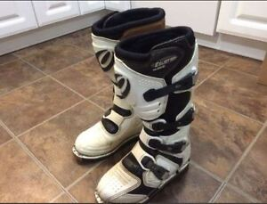 Dirt bike boots size 7 boys youth