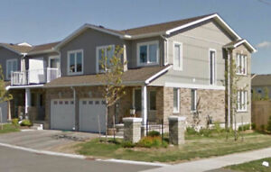 75 Prince William way, 3 bedroom Barrie Townhouse October 1st