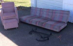 Trailer Chesterfield and chair