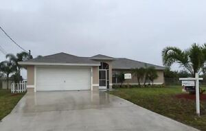 HOUSE FOR SALE IN FLORIDA