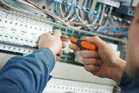 Do you want Licensed Electrician but cheap!
