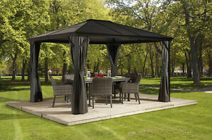 BRAND NEW STEEL TOP GAZEBO