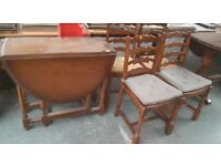 VINTAGE WOOD TABLE AND 4 CHAIRS SHABBY CHIC PROJECT ** FREE DELIVERY IS AVAILABLE ***