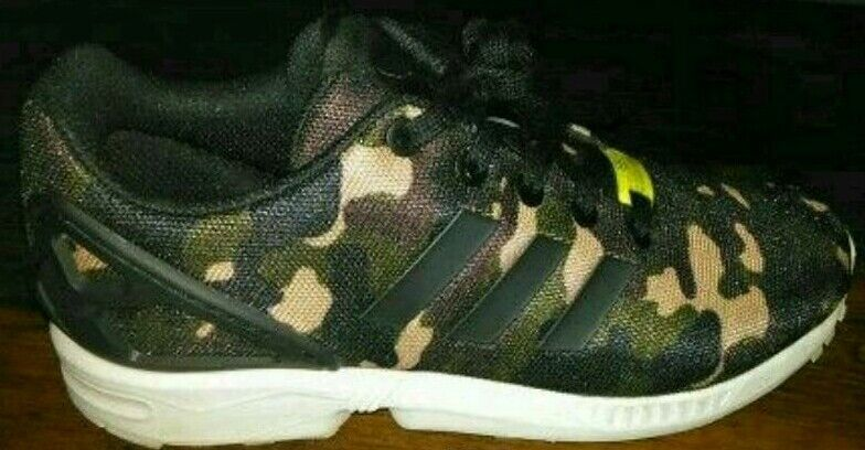 BRAND NEW ZX FLUXES SIZE 5 BARGAIN!!!