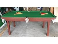 Immaculate snooker/pool table, great piece for spending time with teenage kids