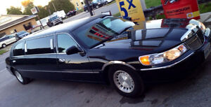 2001 Lincoln Town Car silver Other London Ontario image 4