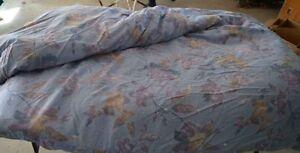 Queen Down Comforter Belleville Belleville Area image 1