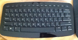 Microsoft ARC WIRELESS KEYBOARD can be used with a tablet, lapt